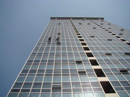 大楼外墙玻璃清洗
